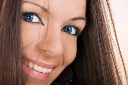blå linser till bruna ögon
